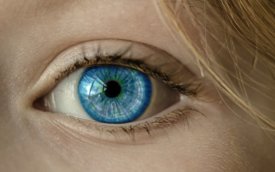 Faut-il passer aux lentilles de contact ?